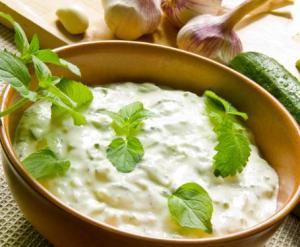 insalata-di-cetrioli-e-yogurt